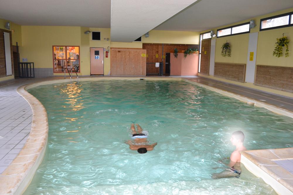 Vacances en famille location lac du der r sidence for Residence piscine couverte